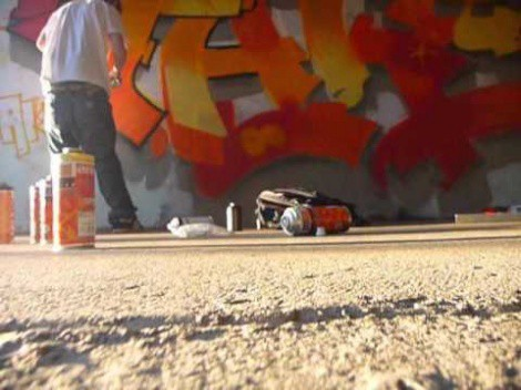 Incredible Graffiti Artist 'Live' – Watch This